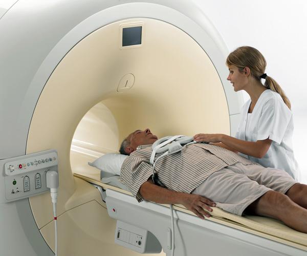 Магнитно-резонансный томограф закрытого типа