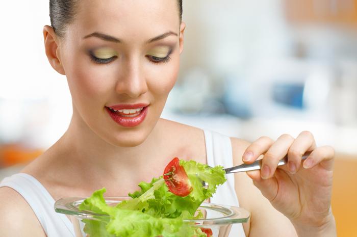 Как лечить гастрит с пониженной кислотностью? salat_pri_gastrite