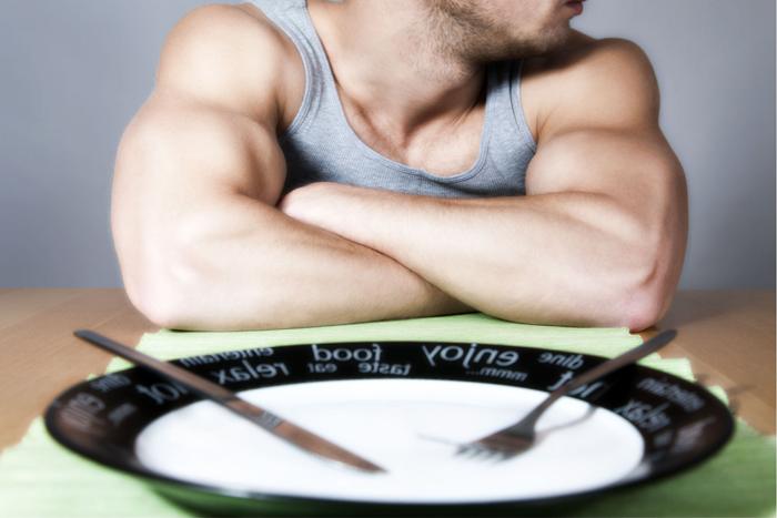 Часто в первые дни острого панкреатита пациента переводят на голодание