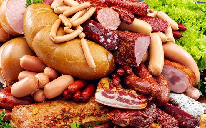 ВОЗ рекомендует употреблять не более 50 грамм колбасных изделий в день