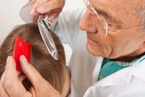 При первых подозрениях на вшивость нужно обращаться за консультацией к доктору, дабы предотвратить манифестацию болезни