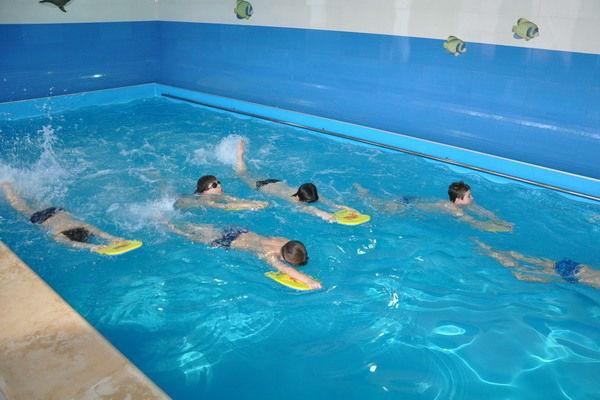 Плавание — один из лучших способов профилактики сколиоза у детей