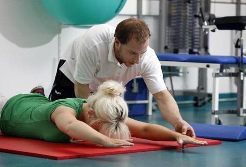 Физкультура — один из лучших способов вылечить головную боль при остеохондрозе