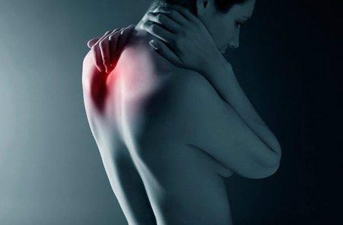 Основным симптомом дорсопатии шейного отдела является боль