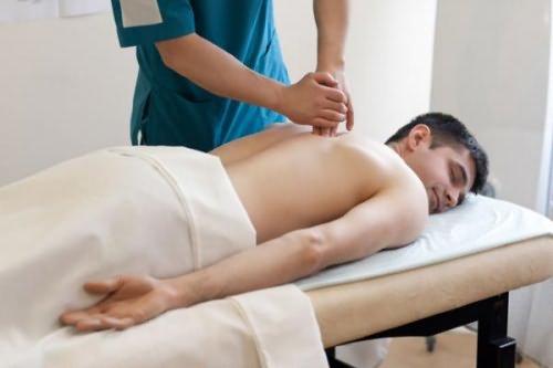 Массаж при остеохондрозе позвоночника