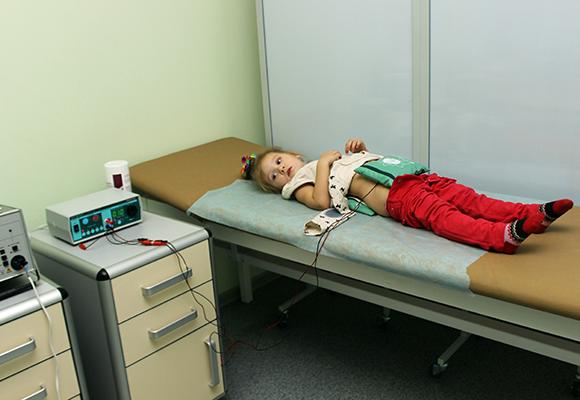 Проведение амплипульстерапии ребенку