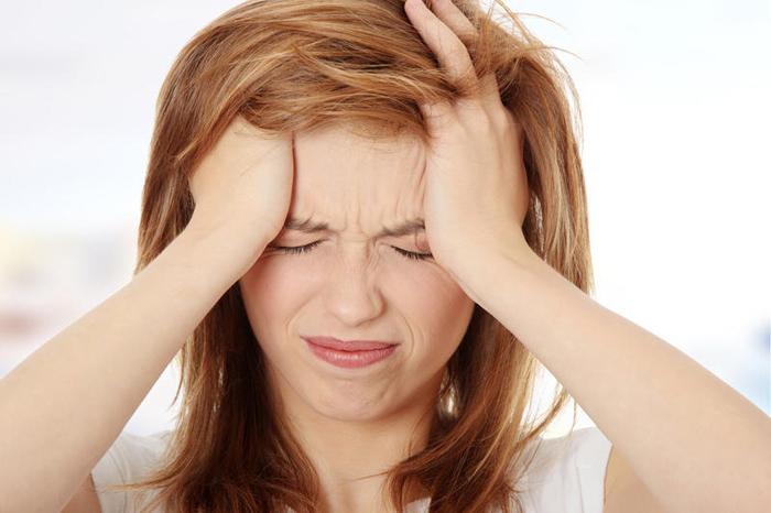 Головная боль — типичный симптом остеохондроза шейного отдела
