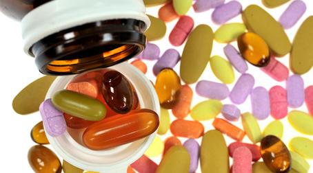Какие витамины показаны при остеохондрозе? vitaminy-kompleksny-e-v-sostav-kotory-h-vhodyat-vitaminy-A-V1-V6-V12-S-D-E
